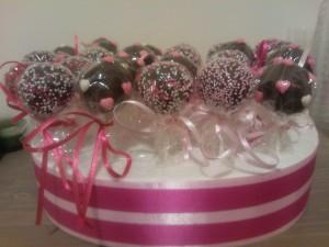 Τα υπέρχοχα cake pops by Zenia!
